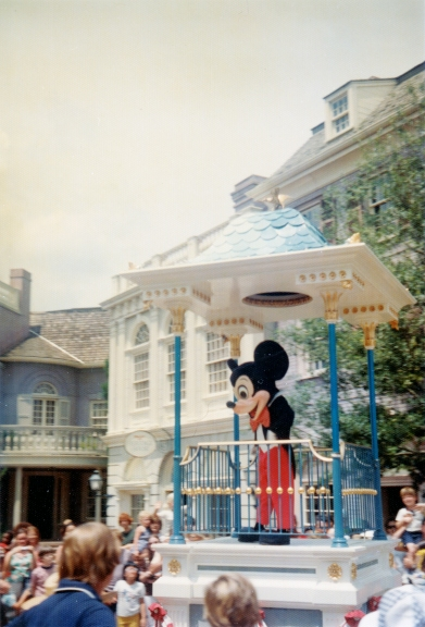 Image2.jpg - Mickey on Main Street